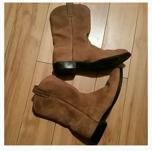 Ariat Shoes - Ariat brown boots